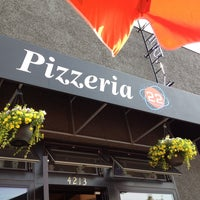 Photo taken at Pizzeria 22 by Tawny on 6/26/2014