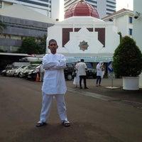 Photo taken at Gedung Serba Guna Istana Wapres by Ardan A. on 7/2/2016