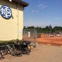 Photo taken at KB Tennis by Henrik F. on 7/5/2014