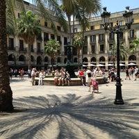 Foto tomada en Plaza Real por Jason A. el 7/4/2013