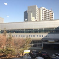 Photo taken at 쉐보레 동서울직영 서비스센터 by Young I. on 12/24/2012