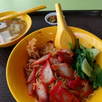 Photo taken at Tanjong Rhu Wanton Noodle by Colin Q. on 4/27/2016