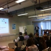 Das Foto wurde bei SCE Strascheg Centre for Entrepreneurship von Marteyn R. am 2/7/2014 aufgenommen