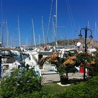 9/4/2013 tarihinde Anıl A.ziyaretçi tarafından Çeşme Marina'de çekilen fotoğraf