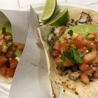 Photo prise au Los Tacos No. 1 par Jin T. le9/16/2018