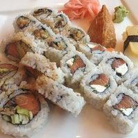 Photo taken at Sushi Para M by Renalin J. M. on 7/13/2013
