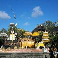 Photo taken at Pura Luhur Candi Narmada Tanah Kilap by Goes A. on 9/8/2015
