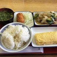 Photo taken at 厚木恩名食堂 by うし on 7/5/2015