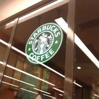 2/6/2013 tarihinde Oruç D.ziyaretçi tarafından Starbucks'de çekilen fotoğraf