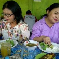 Photo taken at Warung 94 Belakang Kantor Pos by Novida F. on 12/20/2013
