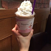 Photo taken at The Coffee Bean & Tea Leaf by Sun-young L. on 6/23/2015