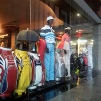2/20/2013 tarihinde AriAziyaretçi tarafından Royale Jakarta Golf Club'de çekilen fotoğraf