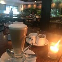 12/5/2017 tarihinde Biah D.ziyaretçi tarafından Ivy Restaurant'de çekilen fotoğraf