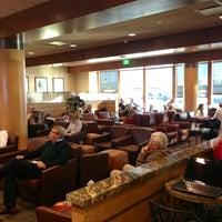 1/19/2013에 Jamison N.님이 Alaska Lounge에서 찍은 사진