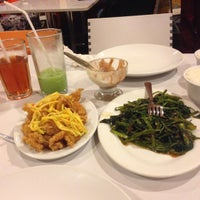 Photo taken at D'Cost Seafood by Nan S. on 11/29/2015