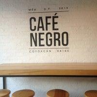 Foto tomada en Café Negro por Adriana L. el 6/27/2013