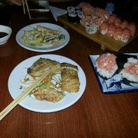 Foto tirada no(a) Kamakura Sushi por Erick Dexter-Slayer T. em 12/8/2012