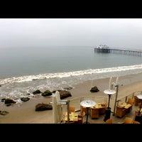 Photo taken at Malibu Beach Inn by Stephen T. on 3/19/2013