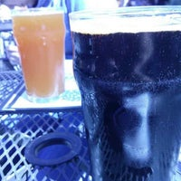 Photo prise au Laurelwood Public House & Brewery par Alberto C. le5/20/2013