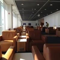 Photo taken at Lufthansa Senator Lounge B by Eric hyungwook C. on 4/25/2013