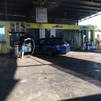 Photo taken at Cyclone Automatic Car Wash by Syikin R. on 7/29/2016