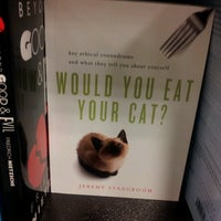 Photo taken at Barnes & Noble by Jakob R. on 9/28/2013