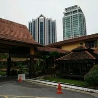 Photo taken at Kompleks Kraf Kuala Lumpur by ابو احمد زماني on 2/7/2017