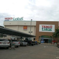 Photo taken at Tesco Lotus by Nodavis D. on 8/4/2016