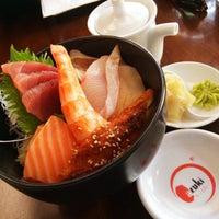 Photo prise au Azuki Sushi par Roger M. le3/18/2015