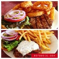 Снимок сделан в Tioli's Crazee Burger пользователем Roger M. 4/9/2013