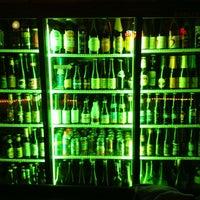 Foto tirada no(a) Hamilton's Tavern por Roger M. em 12/21/2012