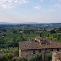 Foto scattata a Hotel Albergo La Cisterna da Tibbo D. il 7/27/2018