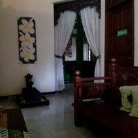 Photo taken at Aluna Home Spa (ex. Bala Bale Spa) by Vidya O. on 3/12/2013
