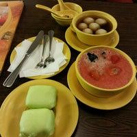 Photo taken at Honeymoon Dessert - Pluit Village by Willy S. on 2/14/2014
