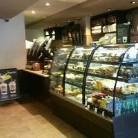 Photo taken at Starbucks by Hamdi A. on 5/19/2016