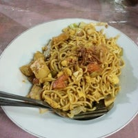 Photo taken at Bakmi Jawa Pak. H. Minto by Febry N. on 11/6/2012