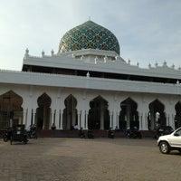 Photo taken at Masjid Al Hikmah Cunda by tritia_pl on 1/4/2014