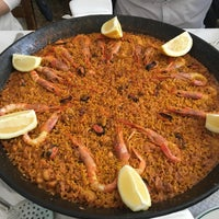 Photo taken at Restaurant Mateu by Kike S. on 3/27/2016
