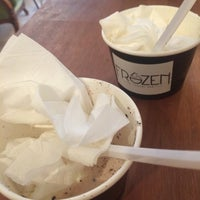 Photo prise au Frozen - The Yogurt Bar par Sumeyya K. le9/30/2015