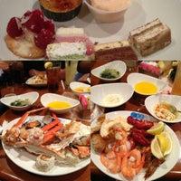 รูปภาพถ่ายที่ Village Seafood Buffet โดย Cynthia N. เมื่อ 10/20/2012