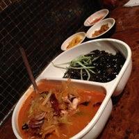 Снимок сделан в Shanghai Mong пользователем Jae Y. 10/18/2012
