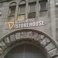 Foto diambil di Guinness Storehouse oleh Rafael A. pada 3/4/2013