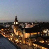 Das Foto wurde bei Hamburg Hauptbahnhof von bosch am 10/20/2012 aufgenommen