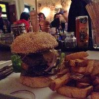 Das Foto wurde bei Brooklyn Burger Bar von bosch am 10/27/2013 aufgenommen