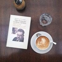 Foto tirada no(a) Café Leonar por bosch em 7/1/2013