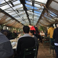 Foto scattata a Petersham Nurseries Cafe da Poppy K. il 2/11/2018