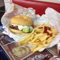 Photo taken at Burger King by Ricardo C. on 10/12/2014