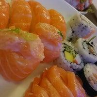 Foto tirada no(a) Hatti Sushi por Sibely N. K. em 8/21/2015