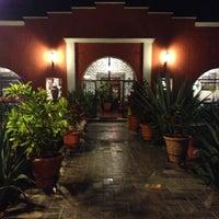 Foto tomada en Casa Mission por Sazones O. el 3/21/2013