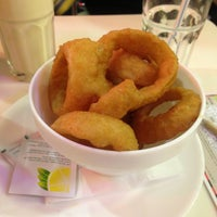 Photo taken at Ed's Easy Diner by American Tour Guide in London L. on 12/18/2012